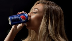 Novo comercial da Pepsi mostra todas as Beyoncs reunidas! Corre pra ver!